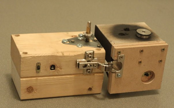 A support case made out of two pieces of 2-by-4 lumber