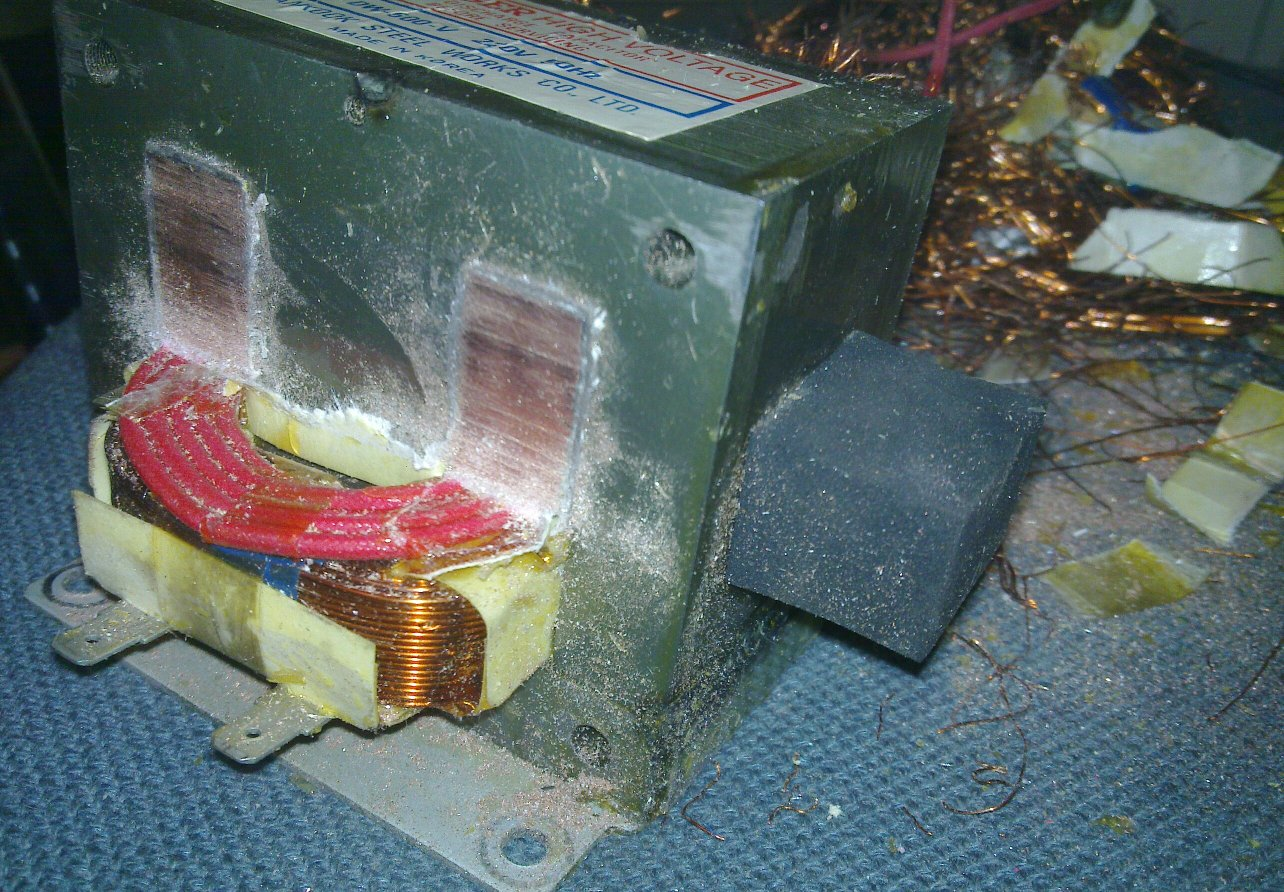 Microwave Oven Spot Welder Ikifi O Solid State Relay Vs Coil The Secondary Sawed Off There Was Also Another Red That I Removed Later After Sawing From One Side Could Be